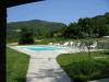 Svømmebassenget er blitt en vesentlig del av livet på La Tornaia og er dessuten såpass stort at det er mulig å svømme der også, samtidig som det gjør stedet svært populært for barna.