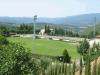 Enhver italiensk landsby med respekt for seg sjøl, har et fotballag og en ordentlig fotballbane. Grunnen fotballbanen er bygd på hørte opprinnelig til La Tornaia og ble i sin tid donert av den siste godseieren til minne om sønnen som omkom i en flyulykke. I bakgrunnen er den nyeste av landsbyens to kirker, kirketårnet er tilsynelatende under permanent oppussing.