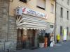 I Olivieros dagligvarebutikk fås ferske brødvarer til frokosten, kjøtt, grønnsaker og ellers det en trenger av ferskvarer på en vanlig dag. Olivieros alimentari er et av møtestedene i landsbyen og et sted å oppleve italiensk folkeliv.